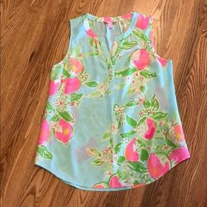 Lilly Pulitzer sleeveless blouse size M